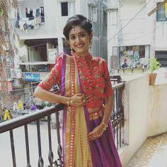 Plain Lehenga, Blouse Neck Patterns, Lehenga Gown, Half Saree, Indian Designer Wear, Indian Bridal, Saree Blouse, Kurtis, Indian Wear