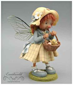 fairy puppets / fotogalerij | enaidsworld Elf Doll, Elves And Fairies, Baby Presents, Biscuit, Fairy Figurines, Baby Fairy, Clay Dolls, Polymer Clay Crafts, Fairy Dolls