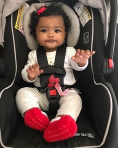 oh baby that chest clip is entirely too low Cute Mixed Babies, Cute Black Babies, Black Baby Girls, Beautiful Black Babies, Cute Little Baby, Pretty Baby, Cute Baby Girl, Beautiful Children, Little Babies