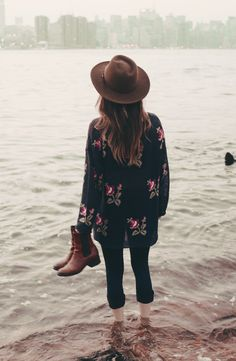 Boho fall fashion: skinnies, floral sweater / cardigan, booties and a felt hat