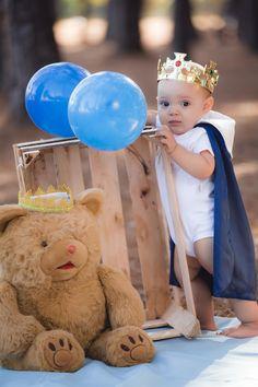 Prince Birthday Theme, Boys 1st Birthday Cake, 1st Birthday Photoshoot, Boy Birthday Parties, Boy Birthday Pictures, First Birthday Photos, Outside Birthday, Boy Photo Shoot, Baby Boy Photography