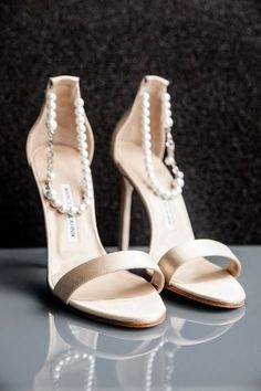 romantic wedding shoes with pearls