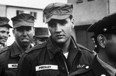 1958 Elvis orduya katılıyor