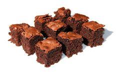 Amerikanische Brownies sind ein Klassiker der Küche in den USA. Dieses Rezept wird mit Bitterschokolade zubereitet und schmeckt himmlisch süß.