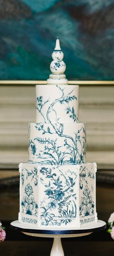Chinoiserie pattern cake in fondant Shared by Career Path Design Amazing Wedding Cakes, Elegant Wedding Cakes, Wedding Cake Designs, Amazing Cakes, Pear And Almond Cake, Almond Cakes, Gorgeous Cakes, Pretty Cakes, Patterned Cake