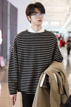 Handsome Korean Actors, Handsome Boys, Cute Japanese Boys, Korean Men Hairstyle, Li Hong Yi, Korean Boys Ulzzang, Seoul Fashion, Mens Fashion, Asian Cute