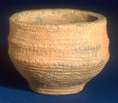 Keywords: archaeology, bowls, Bronze Age, food vessels, maritime trade, pottery, tableware
