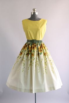 Vintage 1950s Dress   50s Cotton Dress   Yellow Rose Border Print Dress w   Original Belt L 3b31e92bfb