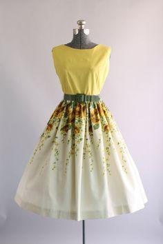 Vintage 1950s Dress / 50s Cotton Dress / Yellow Rose Border Print Dress w/ Original Belt L