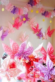 Бабочки из салфеток в сервировке стола
