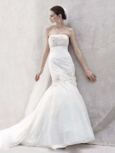 The thin beaded belt make  whole dress looks more amazing and empired along with the ruched long tail.