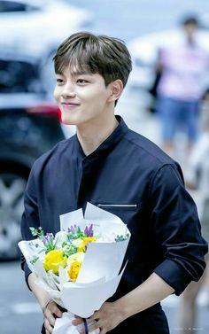 Awesome and Handsome Yeo jin_goo Korean Male Actors, Handsome Korean Actors, Korean Celebrities, Asian Actors, Handsome Boys, Drama Korea, Korean Drama, Jin Goo, Yoo Seung Ho