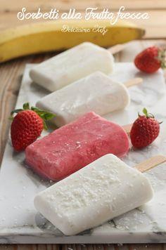 Italian Sorbet Recipe, Frozen Desserts, Summer Desserts, Homemade Sorbet, Gelato Homemade, Frozen Yogurt Bites, Pistachio Gelato, Gelato Recipe, Gelato Flavors