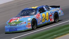 A Charlie Brown Christmas debuted on TV 50 years ago. Here's the Peanuts comic car that Jeff Gordon drove at Indianapolis Motor Speedway in 2000 https://racingnews.co/2015/11/19/best-jeff-gordon-paint-schemes/ #charliebrown