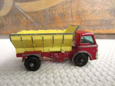 Vintage Lesney Matchbox Grit Spreading Truck Made in England Fathers Day Toys… Matchbox Autos, Matchbox Cars, 60s Toys, Metal Toys, Hot Wheels Cars, Toy Trucks, Diecast Model Cars, Childhood Toys, Toys For Boys