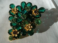 Vintage broach.  i don't know why but ever since i was little i have been in love with broaches.