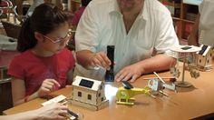 Ελέγχοντας τη λειτουργία των ηλιακών παιχνιδιών με ένα ...φακό!!