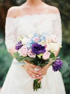 Classic Southern wedding: http://www.stylemepretty.com/2014/06/19/southern-garden-wedding-wrapped-in-elegance/ | Photography: Erich McVey - http://www.erichmcvey.com/