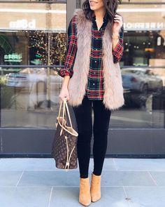 How To Style A Faux Fur Vest: 28 Lovely Ideas | Clotheseek Teen Winter Outfits, Cute Fall Outfits, Casual Outfits, Fashion Outfits, Womens Fashion, Fashion Trends, December Outfits, Fur Vest Outfits, Winter Mode