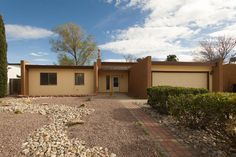 For home listings and estimates for houses for sale in New Mexico, RE/MAX has a comprehensive selection. Get information on the 5312 Sooner Trail NW listing and other today.