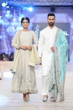 Nida Azwer at Nida Azwer, Costumes Around The World, Pakistan Fashion, Indian Suits, Pakistani Bridal, Fashion Models, Fashion Beauty, Indian Fashion, Runway