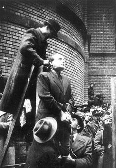 The execution of Hungarian Fascist Ferenc Szálasi in 1946.