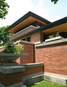 Detail shot of brick & cast stone exterior - Frank Lloyd Wright's Robie House at the University of Chicago