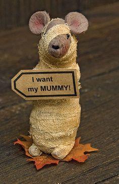 Primitive Halloween Mummy Mouse