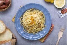 Linguine con bottarga e arselle Pasta Aglio E Olio, Pasta Plus, Classic Italian Dishes, Linguine, Gnocchi, How To Cook Pasta, Fett, Food For Thought, Pasta Recipes