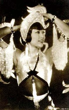 Anna May Wong photo Golden Age Of Hollywood, Hollywood Glamour, Classic Hollywood, Old Hollywood, Classic Actresses, Female Actresses, Asian American Actresses, American Actors, Silent Film Stars