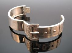 ANTIQUE 19thC VICTORIAN SOLID SILVER HINGED BUCKLE BANGLE CUFF BRACELET, c1880