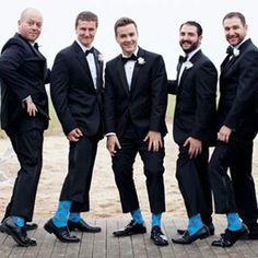 Matching socks 🙌🏻👏🏻 cute!. . . . #engaged #gettingmarried #proposal #isaidyes #ido #engagement #weddings #weddingideas #weddinginspiration #weddingphotography #engagementphotos #bridetobe #bride #nycwedding #winterwedding #howheasked #happynewyear
