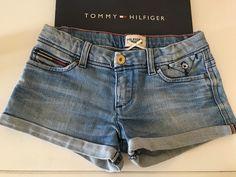 Mein Orig. Tommy Hilfiger Short Gr.6 Jahre / 116 cm von Tommy Hilfiger! Größe 116 für 20,00 €. Schau´s dir an: http://www.mamikreisel.de/kleidung-fur-madchen/kurze-shorts/30204756-orig-tommy-hilfiger-short-gr6-jahre-116-cm.