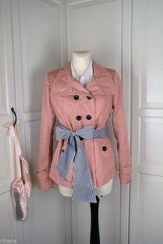 Japanese gal, korean ulzzang, style elegante coat Mantel salmon pink Ulzzang Style, Korean Ulzzang, Ulzzang Fashion, New Outfits, Fashion Outfits, Fashion Sale, My Wardrobe, Salmon, Japanese