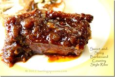A super easy pressure cooker recipe for country ribs. Not only was it easy, but the flavor of the sauce was outstanding. You can see the little pieces of onion in the sauce. Pressure Cooker Ribs, Easy Pressure Cooker Recipes, Power Pressure Cooker, Slow Cooker Pressure Cooker, Instant Pot Pressure Cooker, Slow Cooker Recipes, Pressure Pot, How To Cook Ribs, Country Ribs