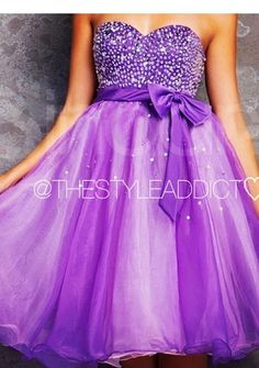 I luv this short purple dress, I want it for grad!!! <3