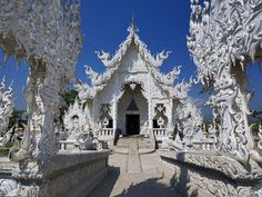 WAT RONG KHUN, CHIANG RAI, THAILAND Absolutely the most breathtaking white temple in Thailand, and it is still in construction. It is know as the contemporary temple in Thailand. Nature Architecture, Amazing Architecture, White Temple Thailand, Thailand Pictures, Chiang Rai Thailand, Amazing Buildings, Interesting Buildings, Scenery Wallpaper, Buddhist Temple