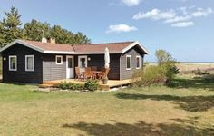 Holiday home Over-�en Hadsund The holiday home Over-?en is located in Hadsund, the property has been build in 1970.  The accommodation is provided with a satellite-TV, and a radio.