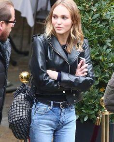 "129 likerklikk, 2 kommentarer – @lestylealafrancaise på Instagram: ""❤️Le style à la française // #frenchgirl #frenchygirl  #parisian #paris #parisienne  #celebstyle…"""