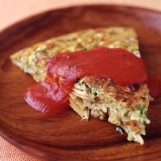 These spaghetti, artichoke, and zucchini frittatas are a wonderful way to use up small bits of leftovers. Cooked grains, roasted vegetables and shrimp — even a few beans — make great frittata ingredients. Points Plus Recipes, Ww Recipes, Great Recipes, Vegetarian Recipes, Healthy Recipes, Zucchini Frittata, Quiche, How To Make Spaghetti, Frittata Recipes