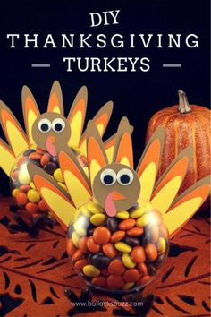 DIY Thanksgiving Turkey Treats Tutorial Filled with candy, these Thanksgiving Turkey treats are perfect for classroom parties, the kids' table, or you could even add a name card and use them as place holders at your Thanksgiving feast! Thanksgiving Favors, Thanksgiving Place Cards, Thanksgiving Crafts For Kids, Thanksgiving Parties, Thanksgiving Turkey, Thanksgiving Quotes, Thanksgiving Centerpieces, Fall Crafts, Kids Crafts