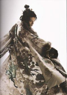 exercicedestyle:quietbystander: Japanese actor Hideaki Takizawa