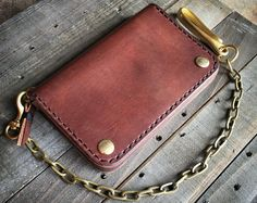 Drifter Wallet: Biker Wallet Trucker Wallet Chain Wallet Handmade by CultClassicLeather on Etsy Wallet Chain, Long Wallet, Brown Leather Wallet, Gold Chains For Men, Insulated Lunch Bags, Wallet Pattern, Leather Projects, Leather Working, Mens Fashion