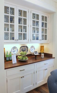 southern living idea house breakfast area built in cabinet with Bunny Williams for Ballard Designs china