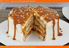 Moist Vanilla Cake Layered with Dulce de Leche. Frosted with Vanilla Butter Cream & drenched with more Dulce de Leche Food Cakes, Cupcake Cakes, Just Desserts, Delicious Desserts, Yummy Food, Sweet Recipes, Cake Recipes, Dessert Recipes, Coctails Recipes