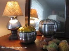 another great krylon 'looking glass' paint project lamp... w/ matching punkins!!