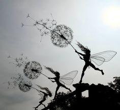 Wire Fairy Sculpture by British artist Robin Wight Robin Wight, Fantasy Wire, Foto Fantasy, Sculptures Sur Fil, Sculpture Art, Wire Sculptures, Tattoo Hada, Real Life Fairies, Illustration Photo