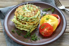 I am Italian and love love love zucchini! You are going to love zucchini when you taste this recipe. Zucchini Pancakes are great hot or room temp, Zucchini Pancakes, Tasty Pancakes, Zucchini Fritters, Dinner Pancakes, Zucchini Burgers, Chickpea Fritters, Bariatric Eating, Bariatric Recipes, Gastronomia
