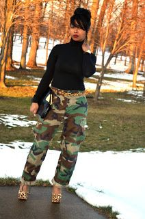 Ways to Look Cool in Army Pants This Year 0101 Camouflage Fashion, Camo Fashion, Diva Fashion, Winter Fashion Outfits, Fashion 2020, Womens Fashion, Fashion Trends, Camouflage Outfit, Fashion Finder