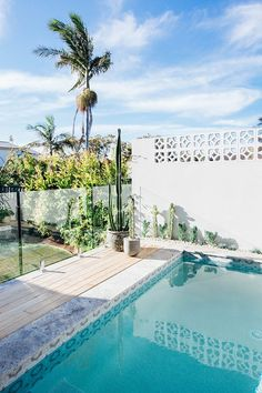 Having a pool sounds awesome especially if you are working with the best backyard pool landscaping ideas there is. How you design a proper backyard with a pool matters. Backyard Pool Landscaping, Backyard Pool Designs, Pool Fence, Swimming Pools Backyard, Garden Pool, Backyard Ideas, Fence Ideas, Pergola Ideas, Pool Ideas